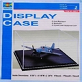 DISPLAY CAIXA COM BASE - Trumpeter - 1/72
